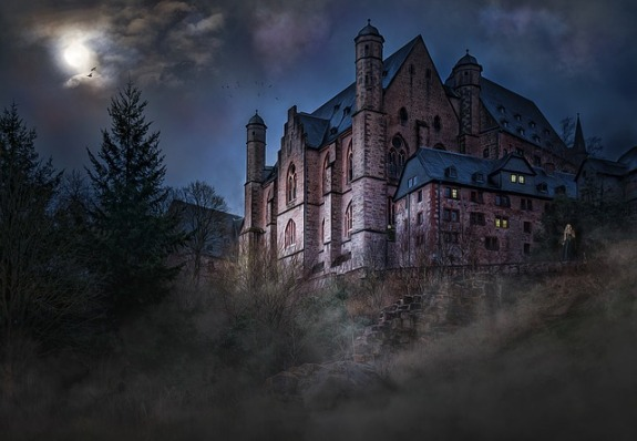 castle-1483681_640